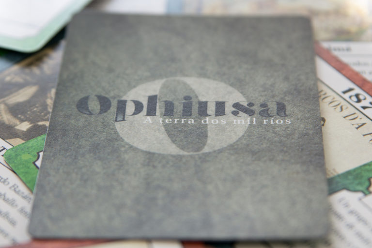 Ophiusa reverse